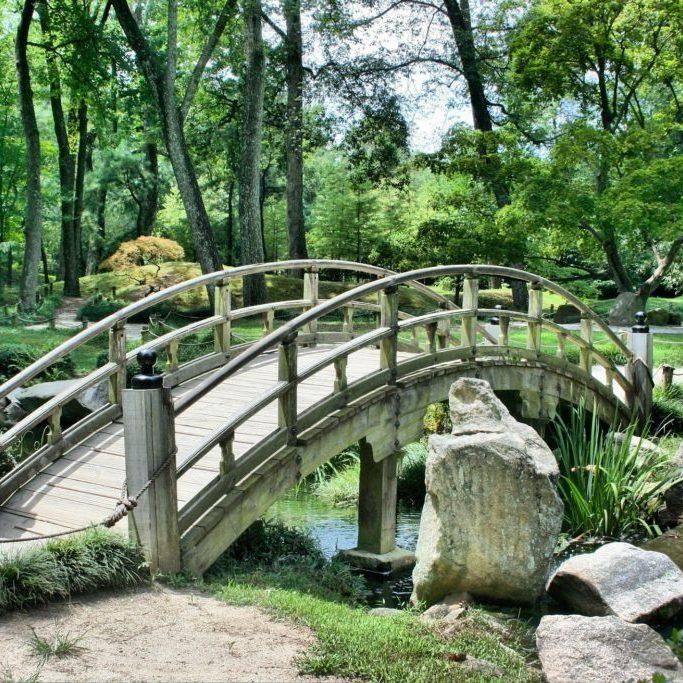Brücke im Park